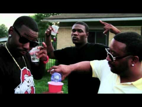 YOUNG TRAJIK - STRAIGHT SHOTS [Official Music Video] Download Link Included