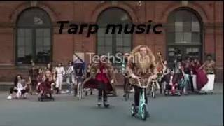 MACKLEMORE  RYAN LEWIS - THRIFT SHOP FEAT. WANZ (OFFICIAL VIDEO)  1h