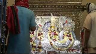 preview picture of video 'Shringar aarti of Shri Kanakbihariji Bhagwan on 23-03-2015'