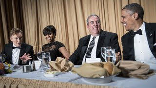 Press Gets Cozy at White House Correspondents Dinner thumbnail