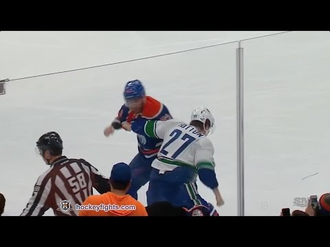 Eric Gryba vs. Ben Hutton