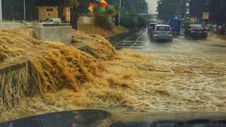 Улицы превратились в реки, ливни не прекращаются. Сочи затопило