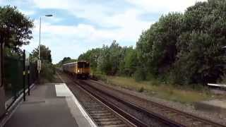 preview picture of video 'Merseyrail Train at Port Sunlight Station'