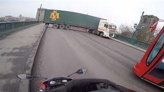 preview picture of video 'Dangerous Lorry U-Turn on Tyne Bridge!!! Newcastle / Gateshead'