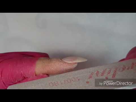 Gribok der Nägel auf den Beinen die Behandlung dimeksid