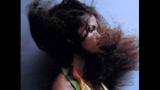 Damian Marley - Beautiful ft. Bobby Brown