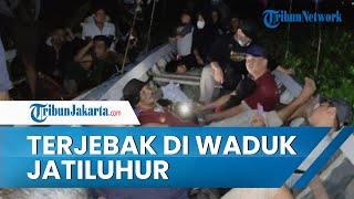 Tim SAR Terjun Evakuasi 23 Wisatawan yang Terjebak di Waduk Jatiluhur karena Enceng Gondok