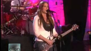 Alanis Morissette - Underneath (Live at the Ellen DeGeneres Show)