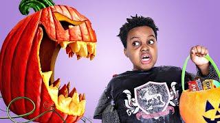 HALLOWEEN IN 2020 (Trick Or Treat) - Shiloh and Shasha Onyx Kids