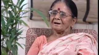Mannu Bhandari, Hindi novelist