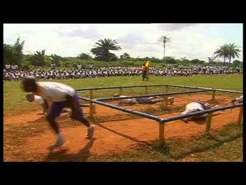 70 regular recruits into Nigerian Army engage in obstacle crossing exercise