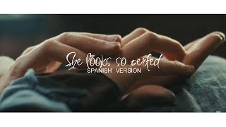 She Looks So Perfect (spanish Version)  Kevin Karla & La Banda [Letra]