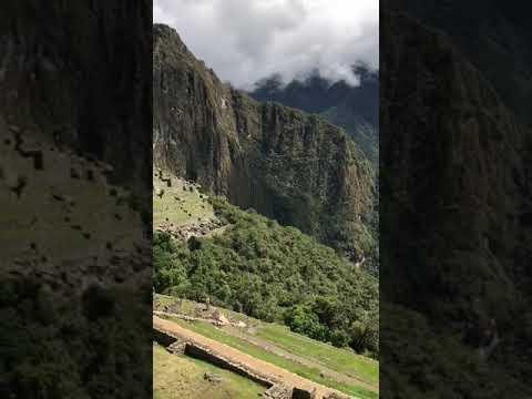 Ма́чу-Пи́кчу— город древней Америки, находящий
