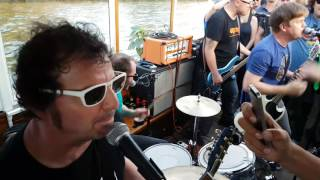Chixdiggit - I Wanna Hump You - MS Hedi Hamburg 07.08.17