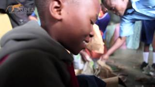 preview picture of video 'Wildlife Club with Ugandan Children'