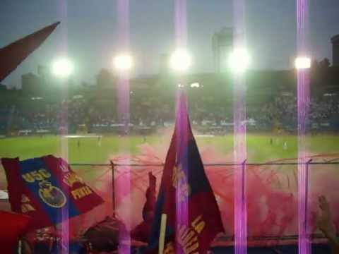 """""""ultra roja y caldera..Reyes de la pirotecnia y mucho mas"""" Barra: La Banda del Rojo • Club: Municipal"""