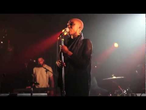 "SXSW: Laura Mvula Performs ""Is There Anybody Out There"" at the Hype Hotel"