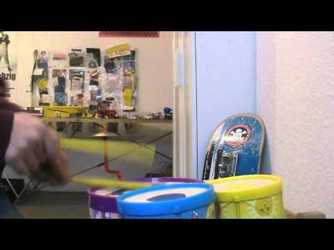 Drumsession auf Kinderschlagzeug