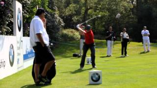 preview picture of video 'Justin Rose tees off the 7th at Wentworth'