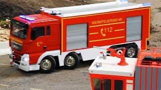 BRUDER Spielwaren - Toy TRUCKS for CHILDREN RC Excavators and Loaders