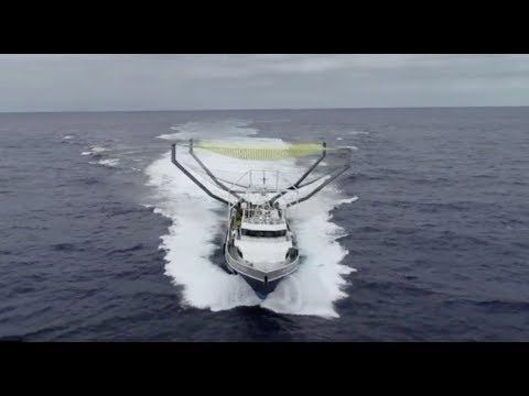 "See SpaceX's Fairing Catcher ""Mr. Steven"" in the Pacific Ocean"