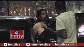 Drunken Woman Fight With Police in Hyderabad | Telugu News | hmtv