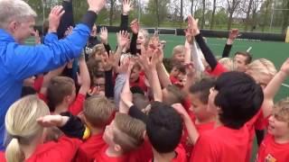 FCBEscola Soccer Camp (24-28 april)   Compilatie   Dag 1