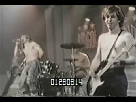 Red Hot Chili Peppers - Fight Like A Brave - Live in BRT Studios 1988