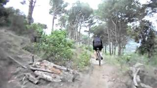 preview picture of video 'BTT badalona bajada de los pinos a los bancos'