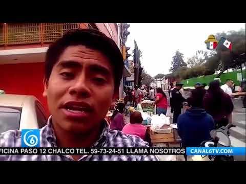 Jesús Anaya eportando desde la calle Bolivar en la Ciudad de México