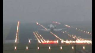 preview picture of video 'CRJ200 landing in foggy Ljubljana Brnik'
