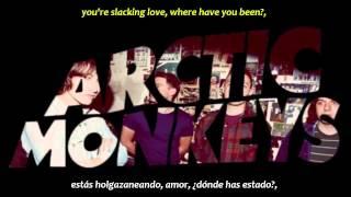 Arctic Monkeys - The bakery (inglés y español)