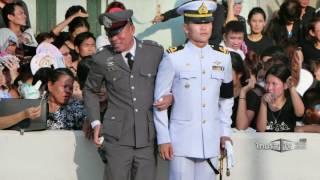 เปิดใจทหารเรือคลิปยืนโอนเอนระหว่างรอขบวนพระบรมศพ ในหลวง ร.9 | 15-10-59 | น้อมถวายบังคม | ThairathTV