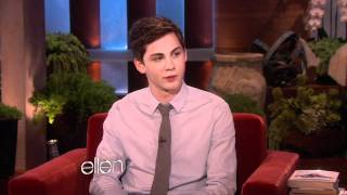 Мушкетёры, Ellen Chats with Logan Lerman