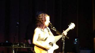 Ani DiFranco - Overlap (live in Grass Valley)