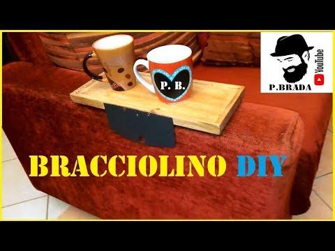 Tavolino da bracciolo per divano  in legno e metallo by Paolo Brada DIY