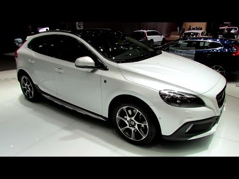 2014 Volvo V40 Cross Country Ocean Race Edition-Exterior,Interior Walkaround 2014 Geneva Motor Show