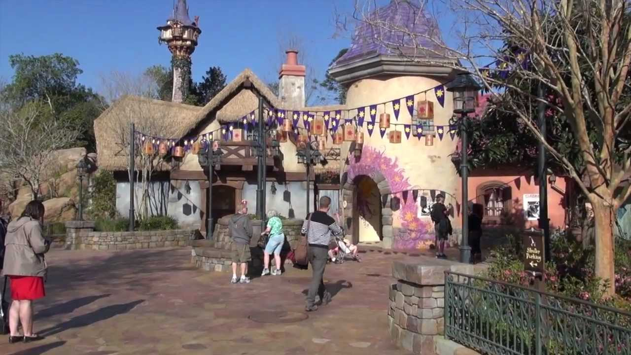 Tangled Fantasyland restroom area walkthrough