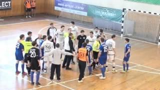 Драка в мини футболе Энерком - Тюмень-2 (23.12.12)