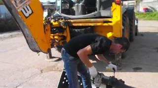 Планировочный ковш 🔪 трактора 🚜 JCB 4CX подготовка к работе - Спецтехника39