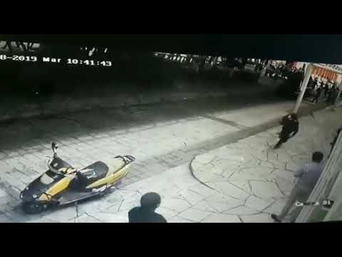 Prefeito é amarrado e arrastado por um carro por não cumprir promessa eleitoral