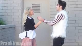Пранк: как поцеловать незнакомую девушку