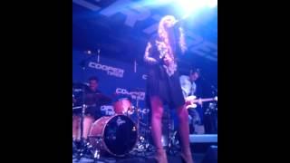 Stronger Cover(live) - Danielle Bradbery
