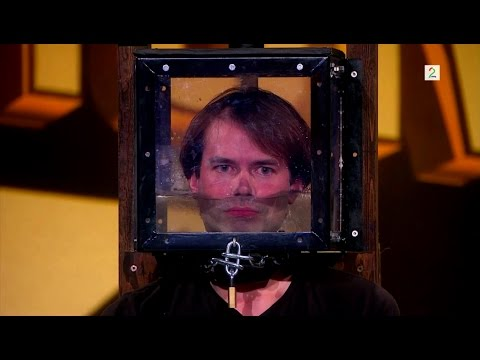 Locked Up Escape Artist Holds His Breath for 4 minutes on Norway's Got Talent. (Norske Talenter) (видео)