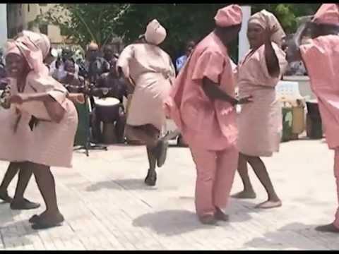 BATA DANCERS APPEASING SANGO