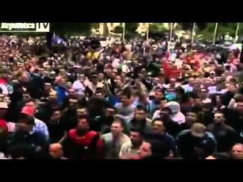 Cori razzisti contro gli immigrati durante la manifestazione Ultrà a pescara