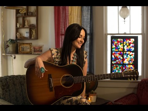 Kacey Musgraves | Christmas Makes Me Cry