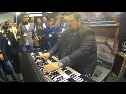 "NAMM 2018 - Joey DeFrancesco plays ""One Hundred Ways"" on Viscount Legend Organ"