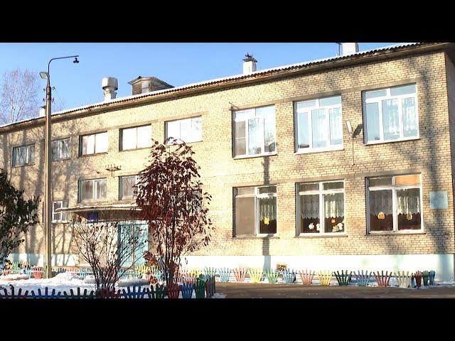 Управление образования оперативно вставило разбитые в детском саду стёкла