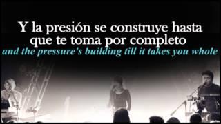 Strong hand- CHVRCHES traducida al español